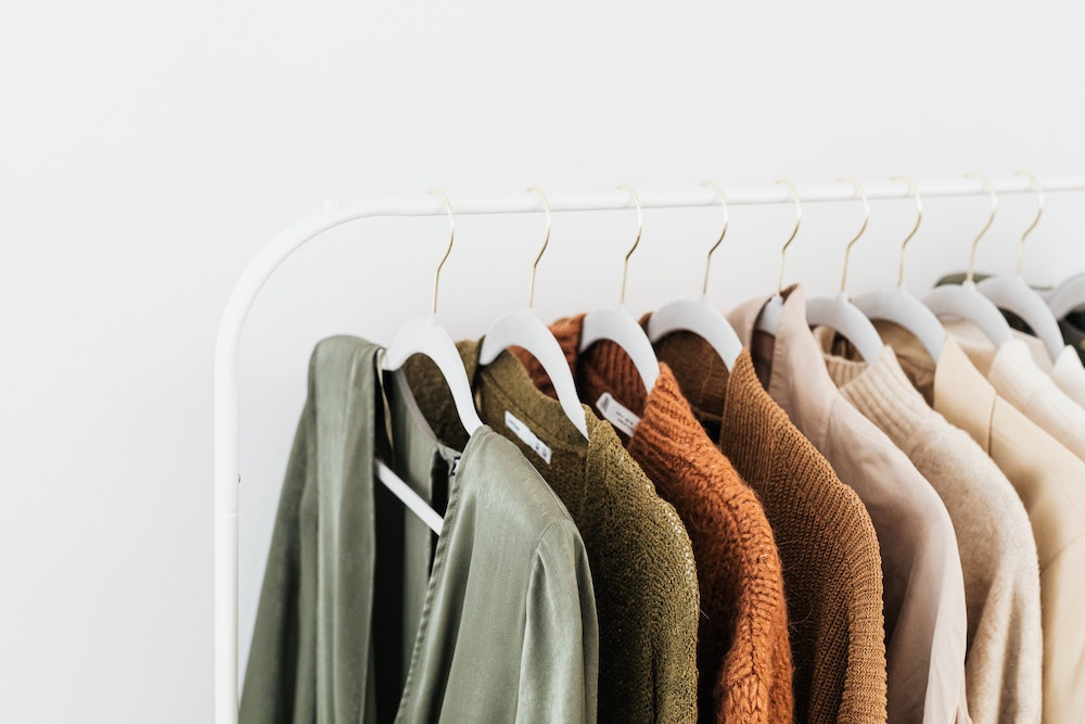 How to Build a Sustainable Capsule Wardrobe and Embrace Minimalist Style