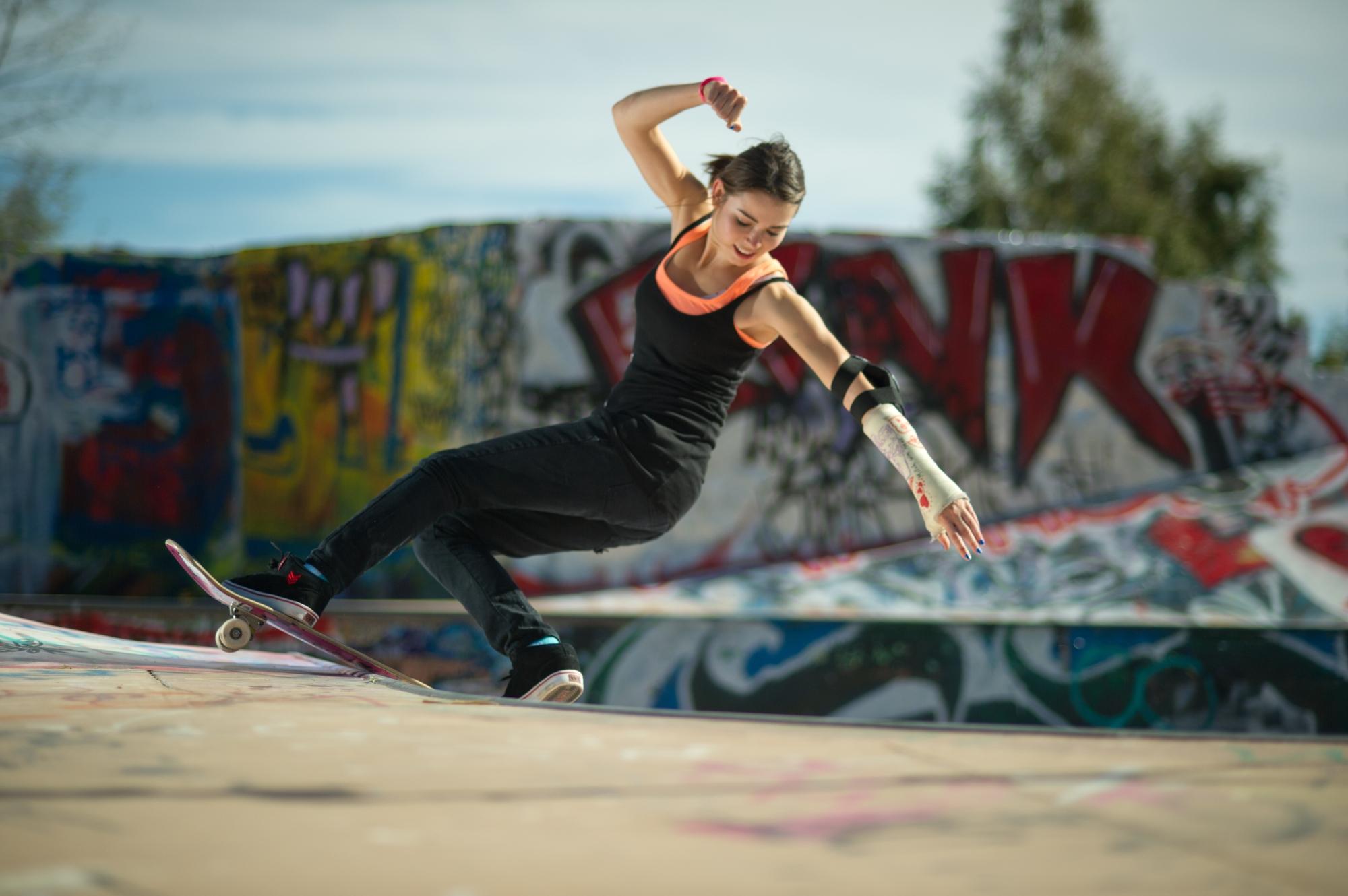 Amelia Brodkha skateboarder